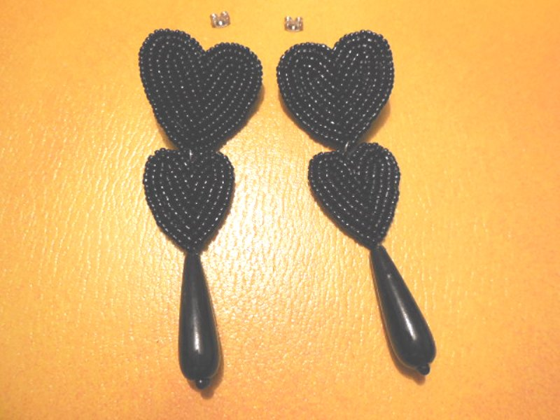 "02676 Ohrstecker ""black hearts"""